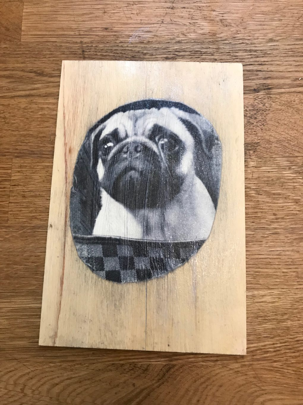 how to mod podge pictures on wood